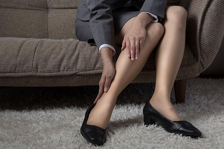 Piec Sprawdzonych Sposobow Na Obrzeki Nog Apteline Pl