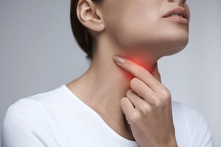Ангина: виды воспаления, симптомы, лечение.  Домашние средства от боли в горле